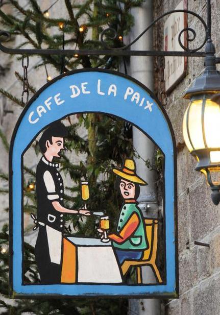Café de la paix - Moncontour