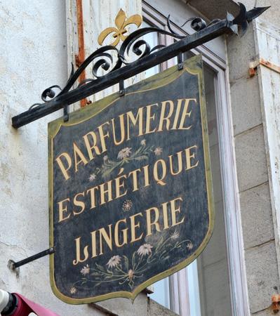 Parfumerie-Esthétique-Lingerie - Guérande