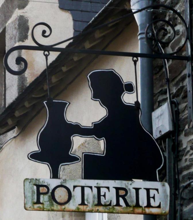 Poterie - Rochefort en Terre
